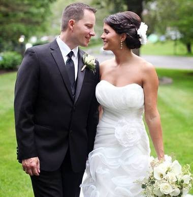 Melissa Conarton and Jesse Abbott at their 2015 wedding. Courtesy of Melissa Conarton