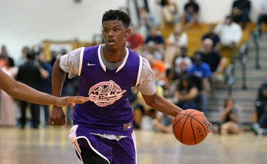 Syracuse recruit Frank Howard is a 6-foot-5 guard who can handle the ball.