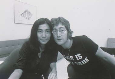 John Lennon and Yoko Ono at the Everson Museum in Syracuse in 1971.
