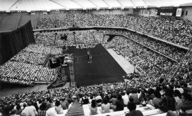 More than 20,000 attended the final night of the Billy Graham crusade at the Carrier Dome on April 30, 1989.