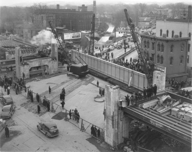 Construction of the West Onondaga Street bridge for the Delaware, Lackawanna & Western railroad.